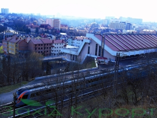 "Фото жд. вокзал, поезд ""интерсити Киев-Трускавец"""