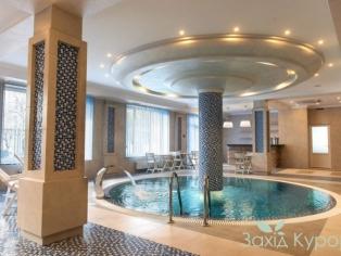 Отель «Green Park» - бассейн