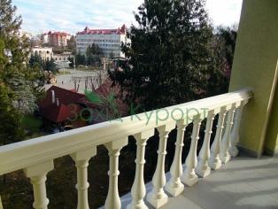 Двухместный номер. Вид с балкона на Площадь Независимости