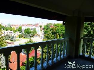 Апартаменты. Балкон