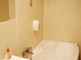 """Семейный 2-комнатный Люкс. Ванная, Отель \""""Мальвы\"""""""