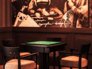Billiard & Lounge Bar