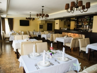 otel-reikartz-polyana_restoran_2