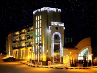 """Отель """"Тустань"""". В ночное время"""