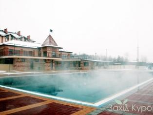 Большой открытый термальный бассейн (t ° + 29 °)