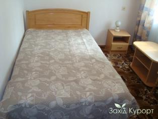 """Двухместный """"полулюкс"""" (1ком.) семейная кровать"""