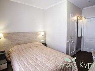 Отель. 2-местный стандарт с двуспальной кроватью