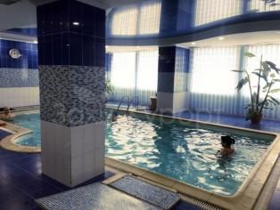 Лечебный бассейн  в  бальнеогрязелечебнице