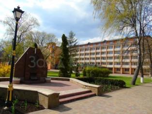Памятник Ивану Андреевичу Зубковскому, основателю курорта на Миргородских минеральных водах.