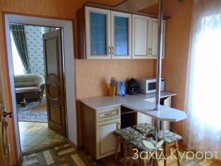 Люкс трехкомнатный с кухней