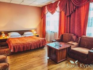 Хрустальный Дворец - отель