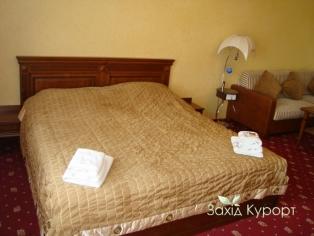 №5. Двухместный номер с дополнительным двухместным диваном