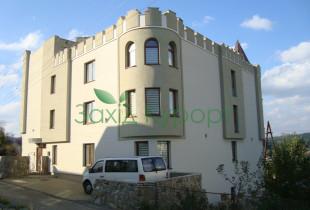 Готель «Три Корони» Східниця